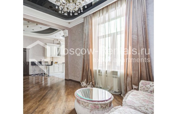 """Photo #3 4-room (3 BR) apartment for <a href=""""http://moscow-rentals.ru/en/articles/long-term-rent"""" target=""""_blank"""">a long-term</a> rent  in Russia, Moscow, Sadovaya-Chernogryazskaya str, 3БС1"""