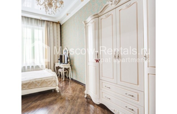"""Photo #7 4-room (3 BR) apartment for <a href=""""http://moscow-rentals.ru/en/articles/long-term-rent"""" target=""""_blank"""">a long-term</a> rent  in Russia, Moscow, Sadovaya-Chernogryazskaya str, 3БС1"""