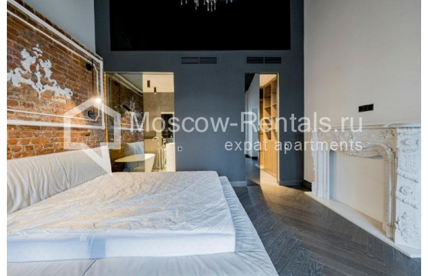"""Photo #14 4-room (3 BR) apartment for <a href=""""http://moscow-rentals.ru/en/articles/long-term-rent"""" target=""""_blank"""">a long-term</a> rent  in Russia, Moscow, Trubnikovskyi lane, 11"""
