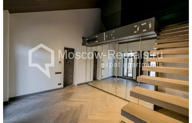 """Photo #26 4-room (3 BR) apartment for <a href=""""http://moscow-rentals.ru/en/articles/long-term-rent"""" target=""""_blank"""">a long-term</a> rent  in Russia, Moscow, Trubnikovskyi lane, 11"""