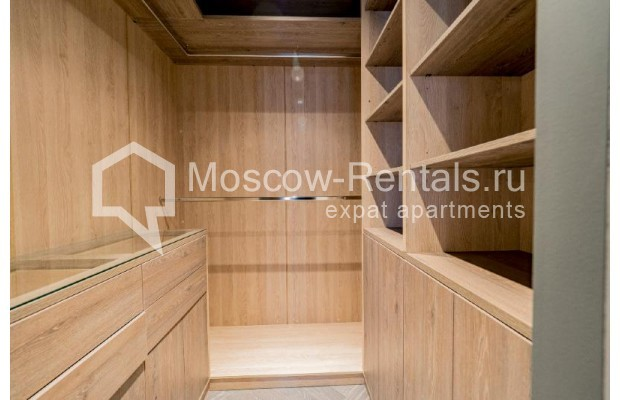 """Photo #17 4-room (3 BR) apartment for <a href=""""http://moscow-rentals.ru/en/articles/long-term-rent"""" target=""""_blank"""">a long-term</a> rent  in Russia, Moscow, Trubnikovskyi lane, 11"""