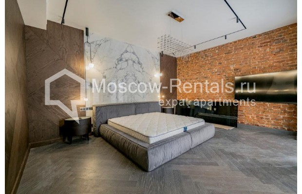 """Photo #18 4-room (3 BR) apartment for <a href=""""http://moscow-rentals.ru/en/articles/long-term-rent"""" target=""""_blank"""">a long-term</a> rent  in Russia, Moscow, Trubnikovskyi lane, 11"""