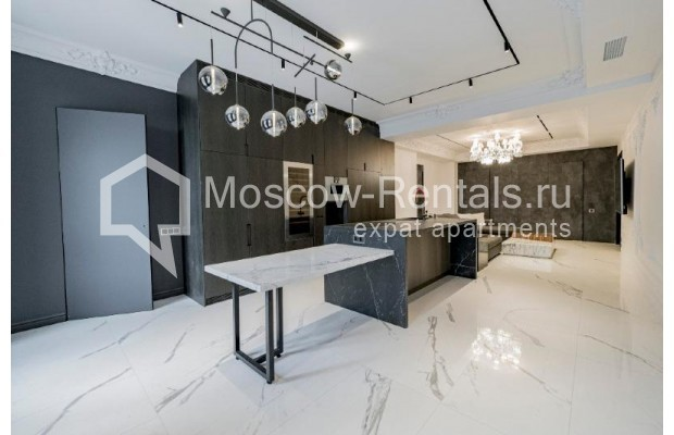 """Photo #6 4-room (3 BR) apartment for <a href=""""http://moscow-rentals.ru/en/articles/long-term-rent"""" target=""""_blank"""">a long-term</a> rent  in Russia, Moscow, Trubnikovskyi lane, 11"""