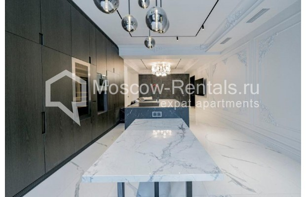 """Photo #4 4-room (3 BR) apartment for <a href=""""http://moscow-rentals.ru/en/articles/long-term-rent"""" target=""""_blank"""">a long-term</a> rent  in Russia, Moscow, Trubnikovskyi lane, 11"""