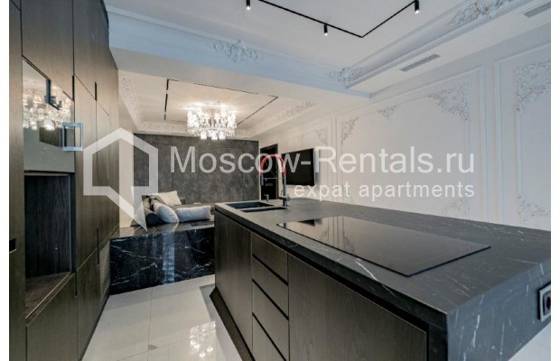 """Photo #7 4-room (3 BR) apartment for <a href=""""http://moscow-rentals.ru/en/articles/long-term-rent"""" target=""""_blank"""">a long-term</a> rent  in Russia, Moscow, Trubnikovskyi lane, 11"""
