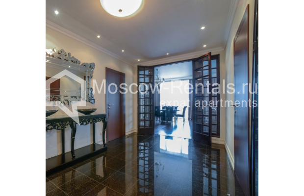 """Photo #9 3-room (2 BR) apartment for <a href=""""http://moscow-rentals.ru/en/articles/long-term-rent"""" target=""""_blank"""">a long-term</a> rent  in Russia, Moscow, Kazarmennyi lane, 3"""