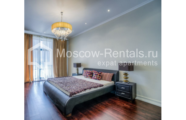 """Photo #11 3-room (2 BR) apartment for <a href=""""http://moscow-rentals.ru/en/articles/long-term-rent"""" target=""""_blank"""">a long-term</a> rent  in Russia, Moscow, Kazarmennyi lane, 3"""