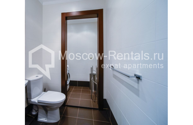 """Photo #15 3-room (2 BR) apartment for <a href=""""http://moscow-rentals.ru/en/articles/long-term-rent"""" target=""""_blank"""">a long-term</a> rent  in Russia, Moscow, Kazarmennyi lane, 3"""