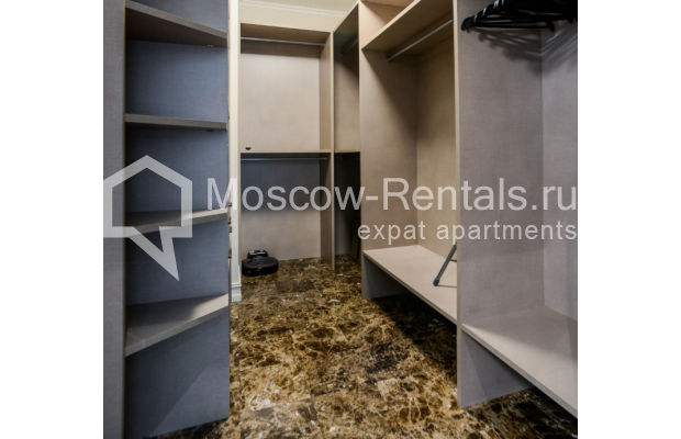 """Photo #17 3-room (2 BR) apartment for <a href=""""http://moscow-rentals.ru/en/articles/long-term-rent"""" target=""""_blank"""">a long-term</a> rent  in Russia, Moscow, Kazarmennyi lane, 3"""