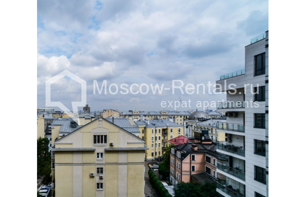 """Photo #18 3-room (2 BR) apartment for <a href=""""http://moscow-rentals.ru/en/articles/long-term-rent"""" target=""""_blank"""">a long-term</a> rent  in Russia, Moscow, Kazarmennyi lane, 3"""
