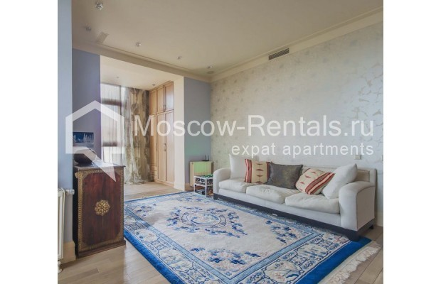 """Photo #6 4-room (3 BR) apartment for <a href=""""http://moscow-rentals.ru/en/articles/long-term-rent"""" target=""""_blank"""">a long-term</a> rent  in Russia, Moscow, Ozerkovskaya emb, 52А"""