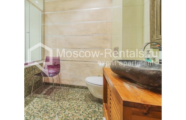 """Photo #13 4-room (3 BR) apartment for <a href=""""http://moscow-rentals.ru/en/articles/long-term-rent"""" target=""""_blank"""">a long-term</a> rent  in Russia, Moscow, Ozerkovskaya emb, 52А"""