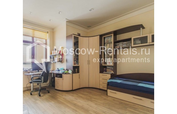 """Photo #11 4-room (3 BR) apartment for <a href=""""http://moscow-rentals.ru/en/articles/long-term-rent"""" target=""""_blank"""">a long-term</a> rent  in Russia, Moscow, Ozerkovskaya emb, 52А"""