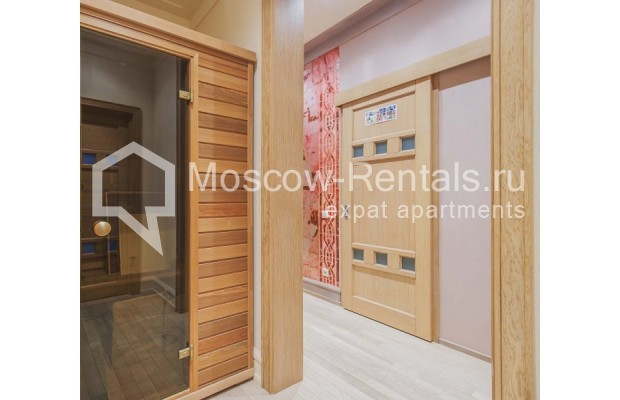 """Photo #14 4-room (3 BR) apartment for <a href=""""http://moscow-rentals.ru/en/articles/long-term-rent"""" target=""""_blank"""">a long-term</a> rent  in Russia, Moscow, Ozerkovskaya emb, 52А"""