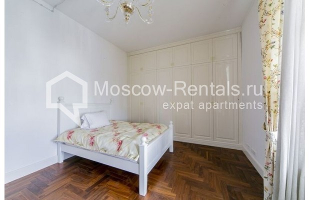 """Photo #13 3-room (2 BR) apartment for <a href=""""http://moscow-rentals.ru/en/articles/long-term-rent"""" target=""""_blank"""">a long-term</a> rent  in Russia, Moscow, Lavrushinskyi lane, 11к1"""