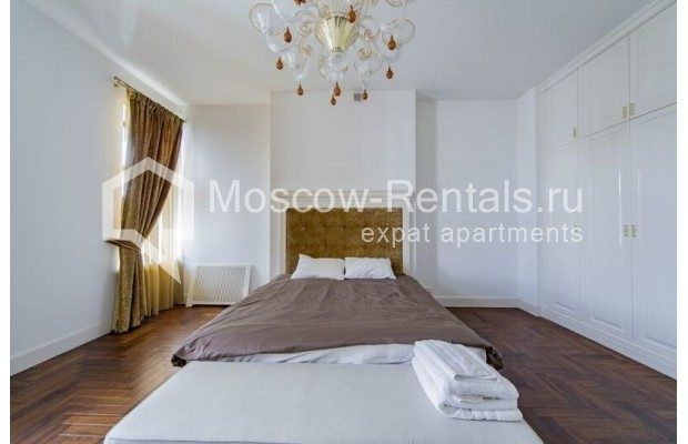 """Photo #10 3-room (2 BR) apartment for <a href=""""http://moscow-rentals.ru/en/articles/long-term-rent"""" target=""""_blank"""">a long-term</a> rent  in Russia, Moscow, Lavrushinskyi lane, 11к1"""
