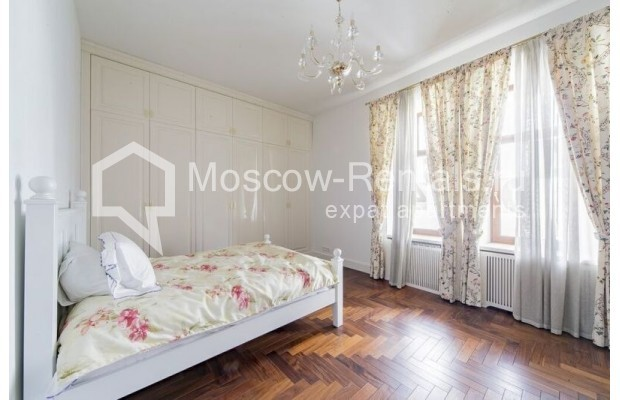 """Photo #14 3-room (2 BR) apartment for <a href=""""http://moscow-rentals.ru/en/articles/long-term-rent"""" target=""""_blank"""">a long-term</a> rent  in Russia, Moscow, Lavrushinskyi lane, 11к1"""