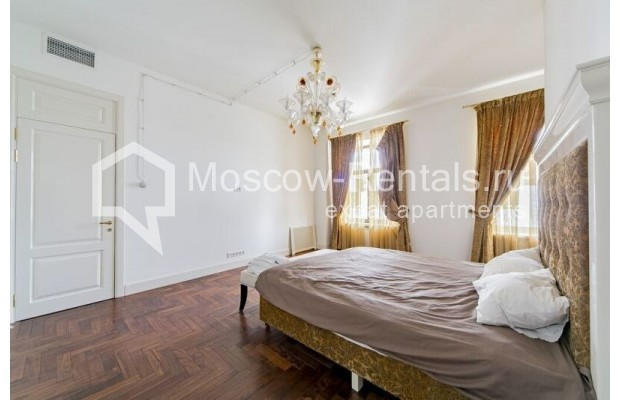 """Photo #11 3-room (2 BR) apartment for <a href=""""http://moscow-rentals.ru/en/articles/long-term-rent"""" target=""""_blank"""">a long-term</a> rent  in Russia, Moscow, Lavrushinskyi lane, 11к1"""