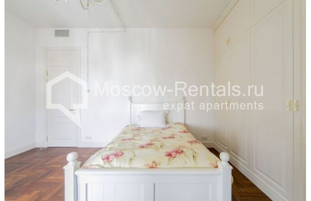 """Photo #15 3-room (2 BR) apartment for <a href=""""http://moscow-rentals.ru/en/articles/long-term-rent"""" target=""""_blank"""">a long-term</a> rent  in Russia, Moscow, Lavrushinskyi lane, 11к1"""