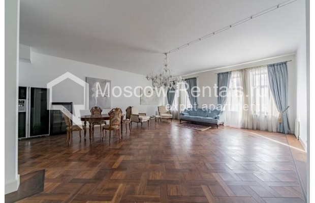 """Photo #1 3-room (2 BR) apartment for <a href=""""http://moscow-rentals.ru/en/articles/long-term-rent"""" target=""""_blank"""">a long-term</a> rent  in Russia, Moscow, Lavrushinskyi lane, 11к1"""