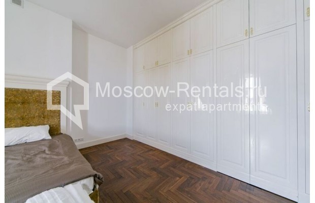 """Photo #12 3-room (2 BR) apartment for <a href=""""http://moscow-rentals.ru/en/articles/long-term-rent"""" target=""""_blank"""">a long-term</a> rent  in Russia, Moscow, Lavrushinskyi lane, 11к1"""