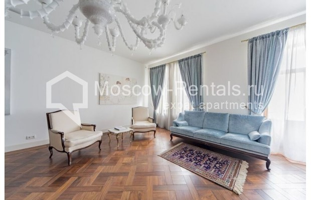 """Photo #3 3-room (2 BR) apartment for <a href=""""http://moscow-rentals.ru/en/articles/long-term-rent"""" target=""""_blank"""">a long-term</a> rent  in Russia, Moscow, Lavrushinskyi lane, 11к1"""