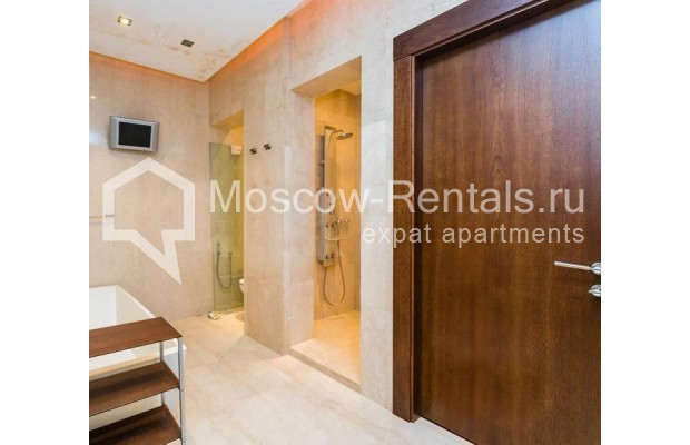 """Photo #12 5-room (4 BR) apartment for <a href=""""http://moscow-rentals.ru/en/articles/long-term-rent"""" target=""""_blank"""">a long-term</a> rent  in Russia, Moscow, Spiridonovka str, 36С1"""