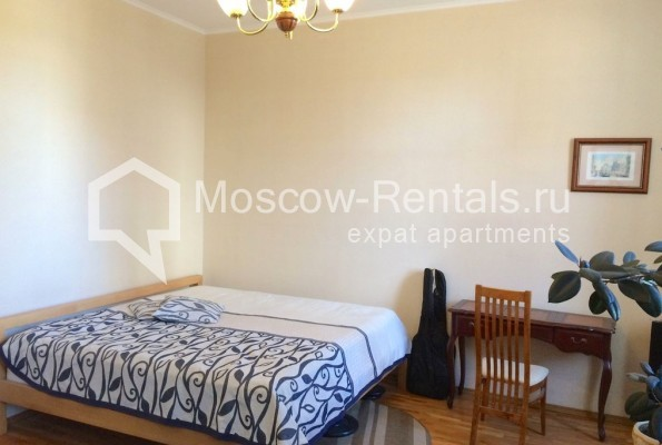"""Photo #1 4-room (3 BR) apartment for <a href=""""http://moscow-rentals.ru/en/articles/long-term-rent"""" target=""""_blank"""">a long-term</a> rent  in Russia, Moscow, Trubnikovsky lane, 11"""