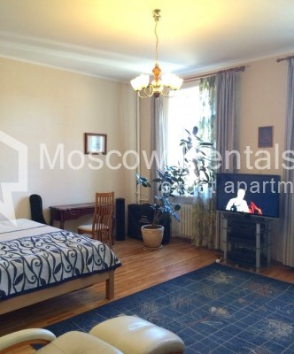 """Photo #3 4-room (3 BR) apartment for <a href=""""http://moscow-rentals.ru/en/articles/long-term-rent"""" target=""""_blank"""">a long-term</a> rent  in Russia, Moscow, Trubnikovsky lane, 11"""