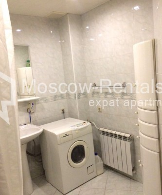 """Photo #11 4-room (3 BR) apartment for <a href=""""http://moscow-rentals.ru/en/articles/long-term-rent"""" target=""""_blank"""">a long-term</a> rent  in Russia, Moscow, Trubnikovsky lane, 11"""