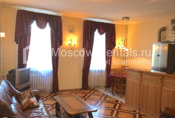 """Photo #6 4-room (3 BR) apartment for <a href=""""http://moscow-rentals.ru/en/articles/long-term-rent"""" target=""""_blank"""">a long-term</a> rent  in Russia, Moscow, Trubnikovsky lane, 11"""