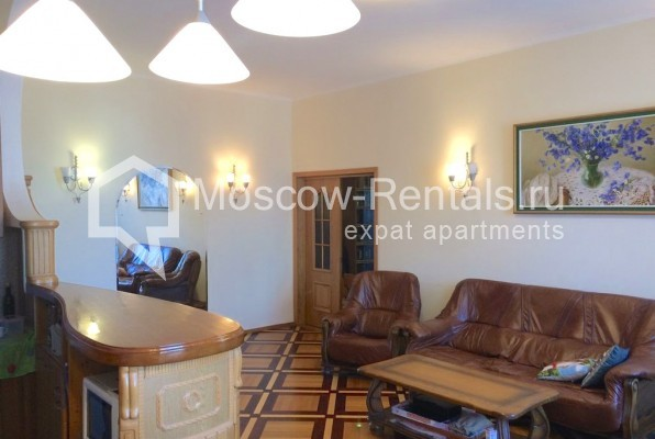 """Photo #8 4-room (3 BR) apartment for <a href=""""http://moscow-rentals.ru/en/articles/long-term-rent"""" target=""""_blank"""">a long-term</a> rent  in Russia, Moscow, Trubnikovsky lane, 11"""