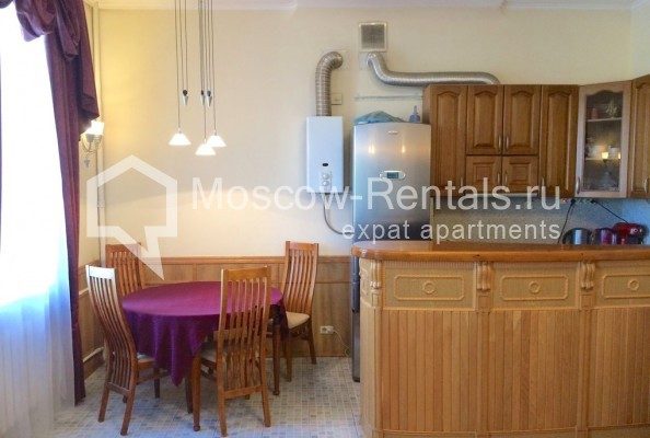 """Photo #7 4-room (3 BR) apartment for <a href=""""http://moscow-rentals.ru/en/articles/long-term-rent"""" target=""""_blank"""">a long-term</a> rent  in Russia, Moscow, Trubnikovsky lane, 11"""