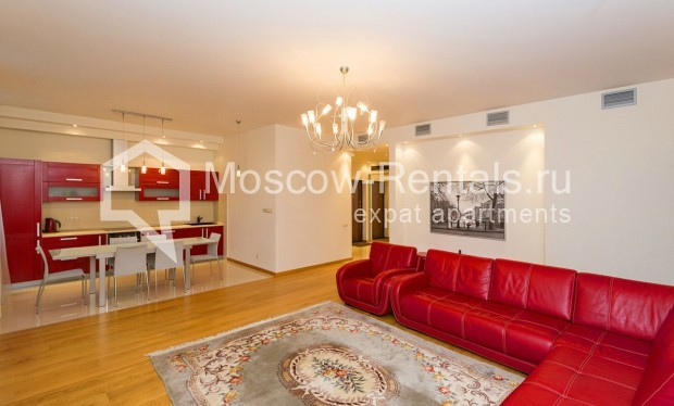 """Photo #2 4-room (3 BR) apartment for <a href=""""http://moscow-rentals.ru/en/articles/long-term-rent"""" target=""""_blank"""">a long-term</a> rent  in Russia, Moscow, Shabolovka str, 10 bld 1"""