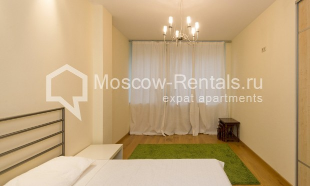 """Photo #7 4-room (3 BR) apartment for <a href=""""http://moscow-rentals.ru/en/articles/long-term-rent"""" target=""""_blank"""">a long-term</a> rent  in Russia, Moscow, Shabolovka str, 10 bld 1"""