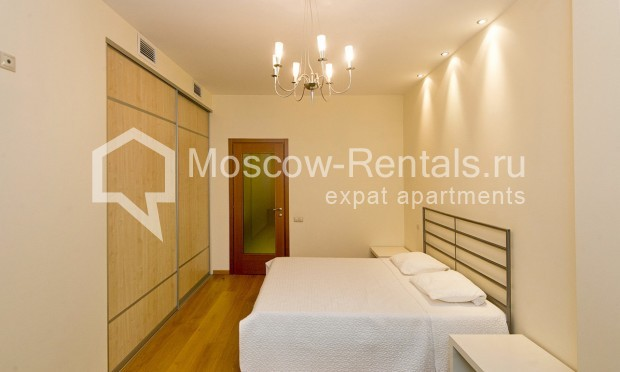 """Photo #8 4-room (3 BR) apartment for <a href=""""http://moscow-rentals.ru/en/articles/long-term-rent"""" target=""""_blank"""">a long-term</a> rent  in Russia, Moscow, Shabolovka str, 10 bld 1"""