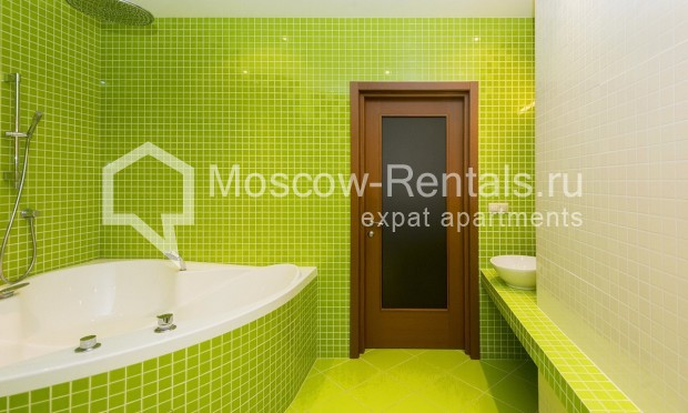 """Photo #10 4-room (3 BR) apartment for <a href=""""http://moscow-rentals.ru/en/articles/long-term-rent"""" target=""""_blank"""">a long-term</a> rent  in Russia, Moscow, Shabolovka str, 10 bld 1"""