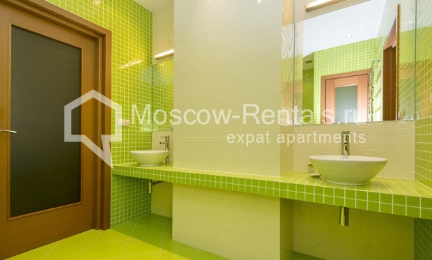"""Photo #11 4-room (3 BR) apartment for <a href=""""http://moscow-rentals.ru/en/articles/long-term-rent"""" target=""""_blank"""">a long-term</a> rent  in Russia, Moscow, Shabolovka str, 10 bld 1"""