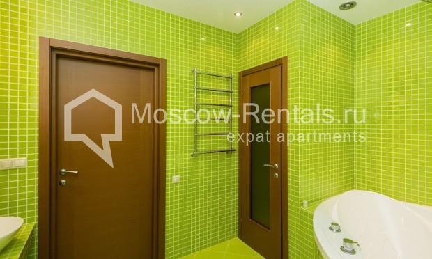 """Photo #12 4-room (3 BR) apartment for <a href=""""http://moscow-rentals.ru/en/articles/long-term-rent"""" target=""""_blank"""">a long-term</a> rent  in Russia, Moscow, Shabolovka str, 10 bld 1"""