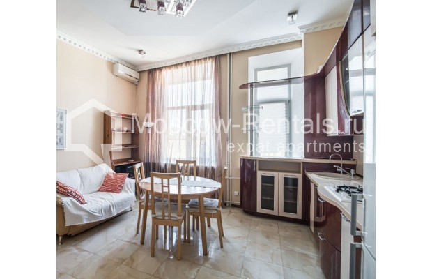 """Photo #19 4-room (3 BR) apartment for <a href=""""http://moscow-rentals.ru/en/articles/long-term-rent"""" target=""""_blank"""">a long-term</a> rent  in Russia, Moscow, Milyutinsky lane,  19/4С1"""