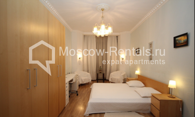 """Photo #3 4-room (3 BR) apartment for <a href=""""http://moscow-rentals.ru/en/articles/long-term-rent"""" target=""""_blank"""">a long-term</a> rent  in Russia, Moscow, Milyutinsky lane,  19/4С1"""