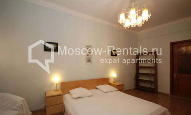 """Photo #6 4-room (3 BR) apartment for <a href=""""http://moscow-rentals.ru/en/articles/long-term-rent"""" target=""""_blank"""">a long-term</a> rent  in Russia, Moscow, Milyutinsky lane,  19/4С1"""