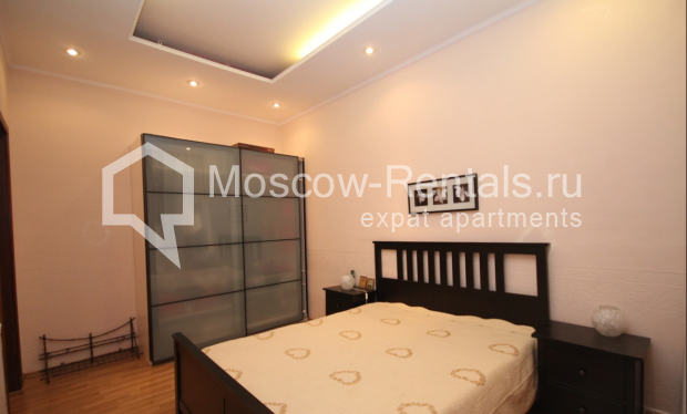 """Photo #8 4-room (3 BR) apartment for <a href=""""http://moscow-rentals.ru/en/articles/long-term-rent"""" target=""""_blank"""">a long-term</a> rent  in Russia, Moscow, Milyutinsky lane,  19/4С1"""