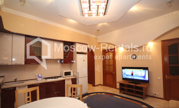 """Photo #10 4-room (3 BR) apartment for <a href=""""http://moscow-rentals.ru/en/articles/long-term-rent"""" target=""""_blank"""">a long-term</a> rent  in Russia, Moscow, Milyutinsky lane,  19/4С1"""